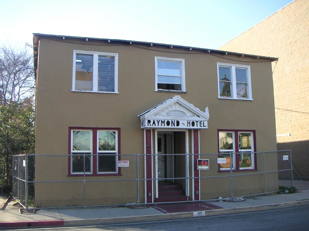 The Raymond Hotel