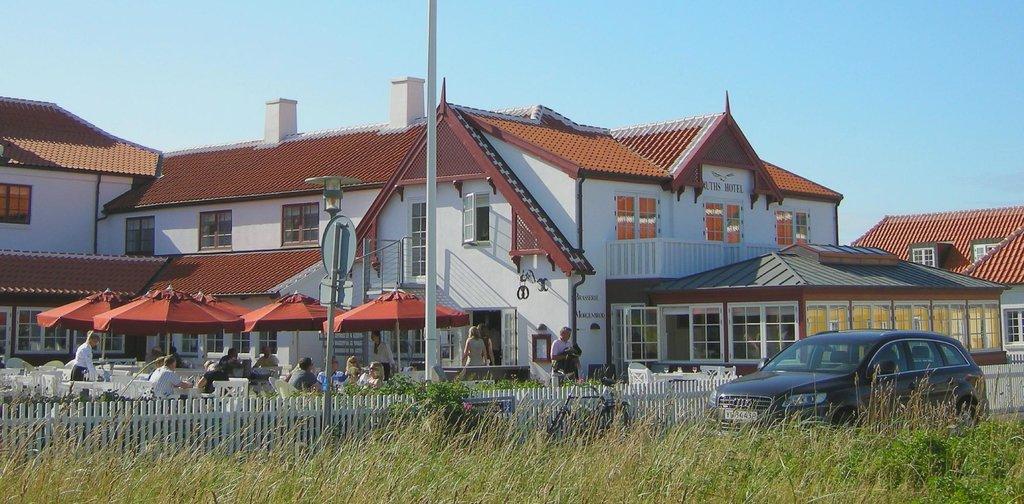 Ruths Hotel