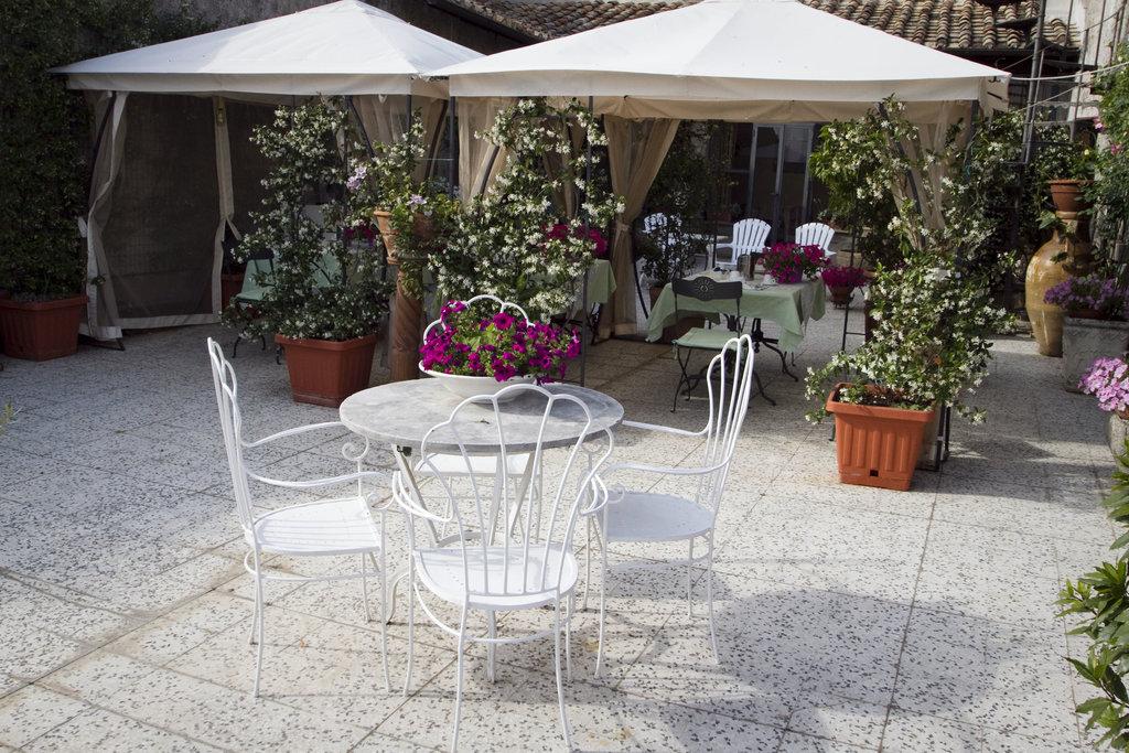 中世紀露台床和早餐飯店