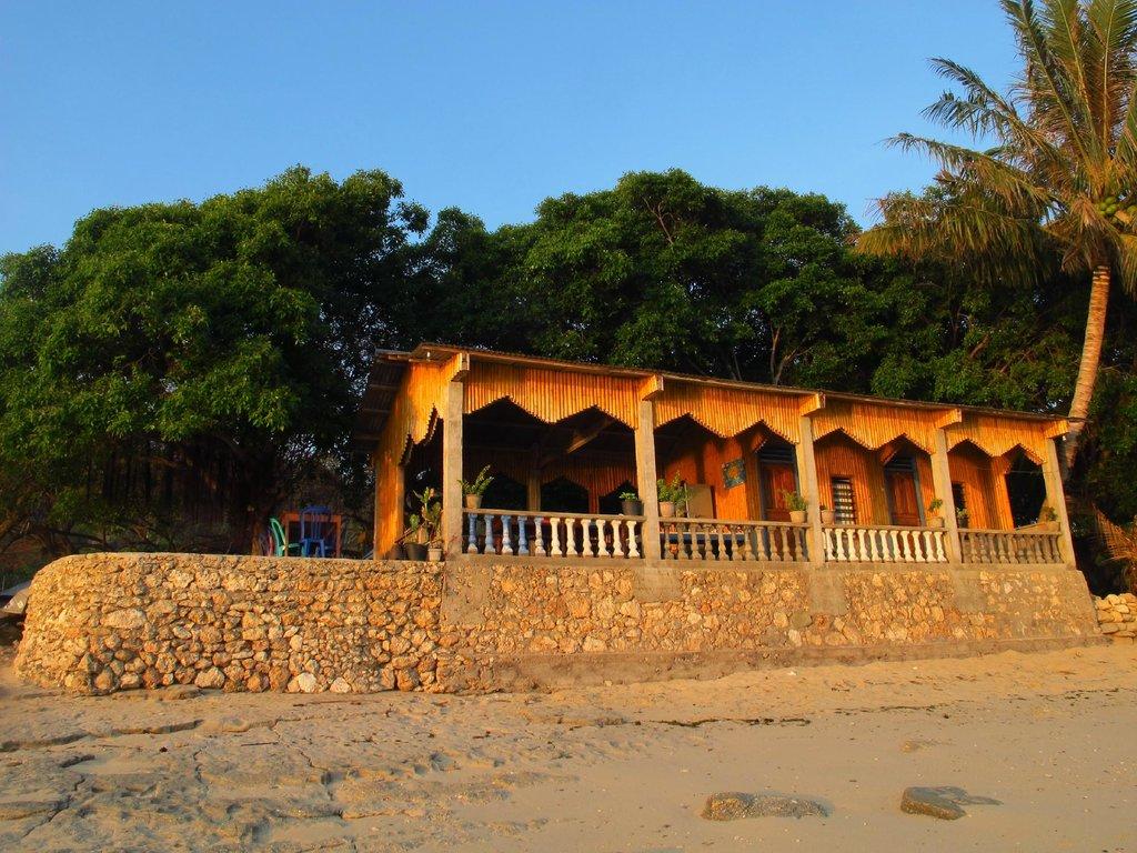 Sina Seaside Guesthouse