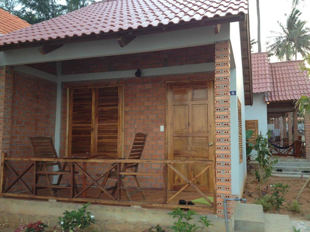 Phuong Binh House