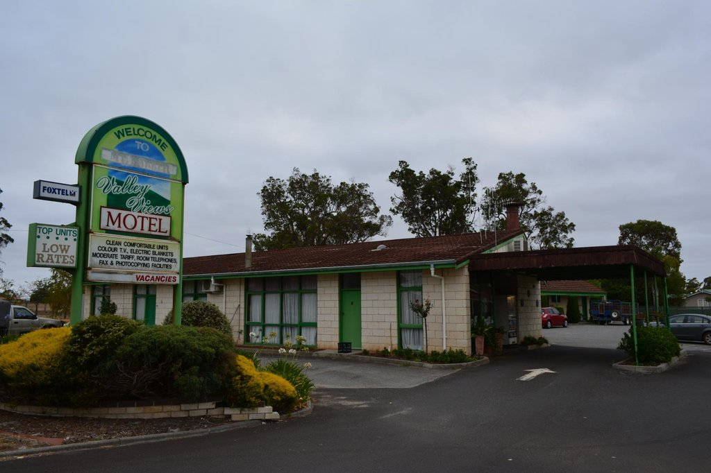 Valley Views Motel