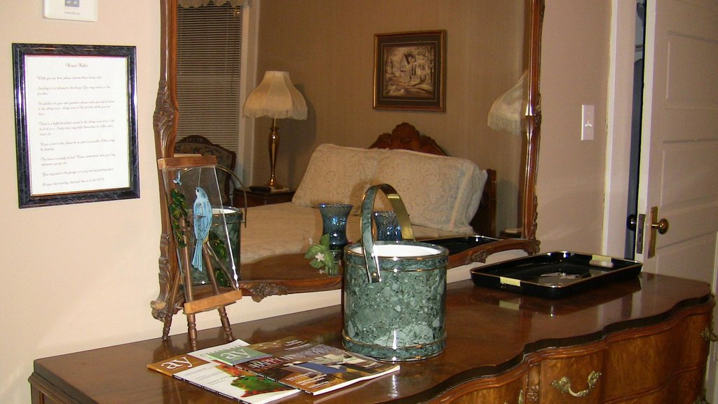West Washington Guest House - Bed and Breakfast
