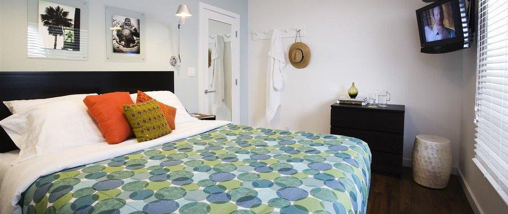 Venice Paloma Suites