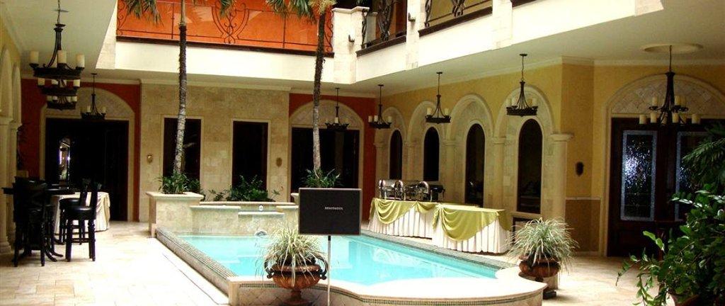 Clarion Suites Mediterraneo