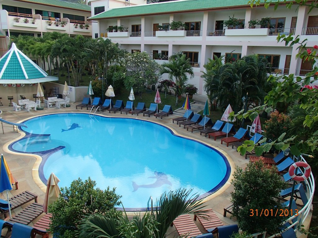 Karon Village Hotel & Bungalow