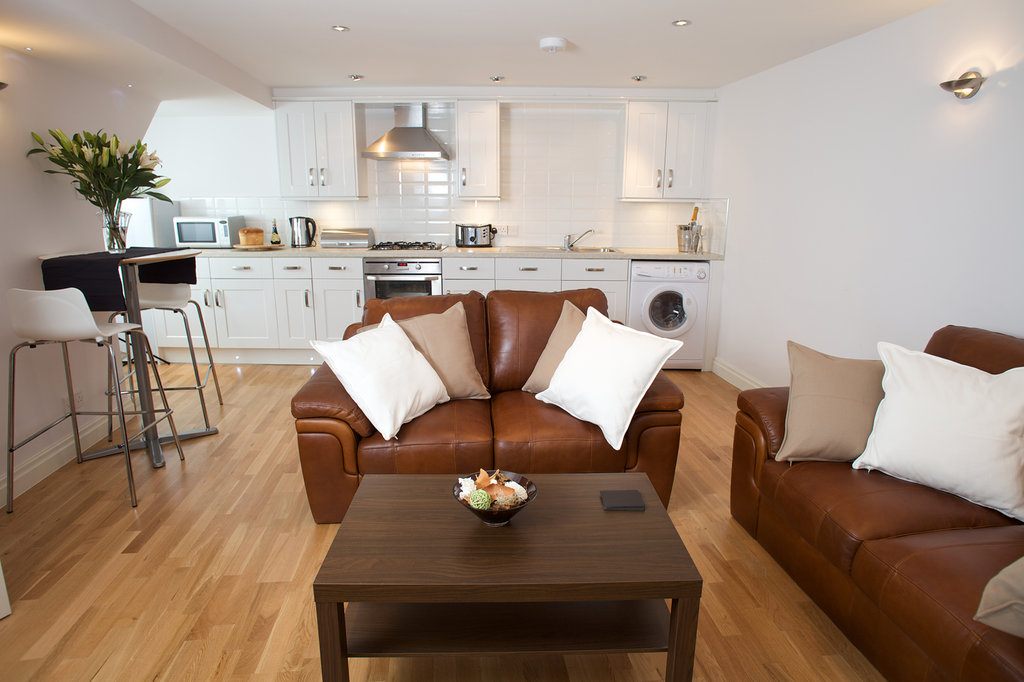 Room-B Serviced Apartments, West Street Mews Apartments