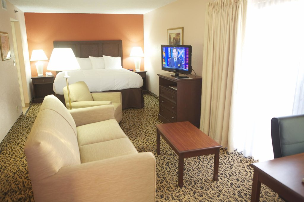 Hawthorn Suites of Troy