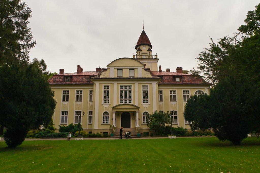 Palac Nieznanice Hotel