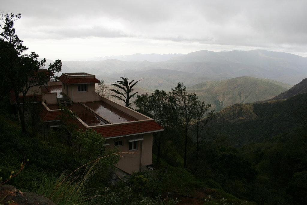 Raja Andhuvan Estate