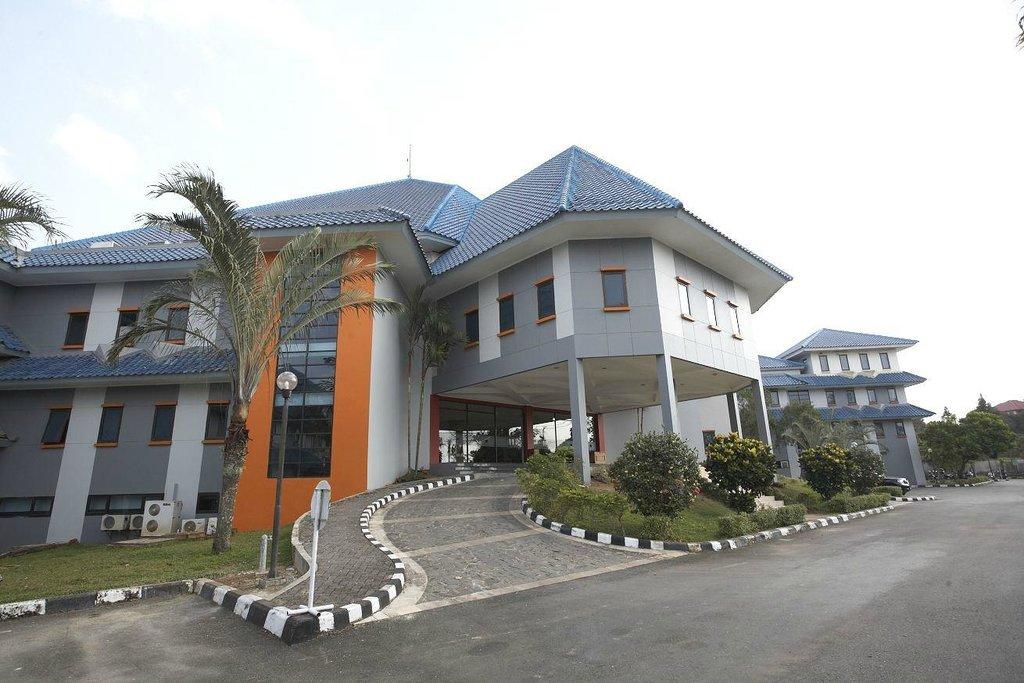 Grand Elty Singgasana