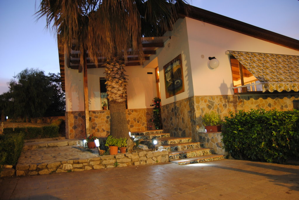 Villa Mola Bed and Breakfast