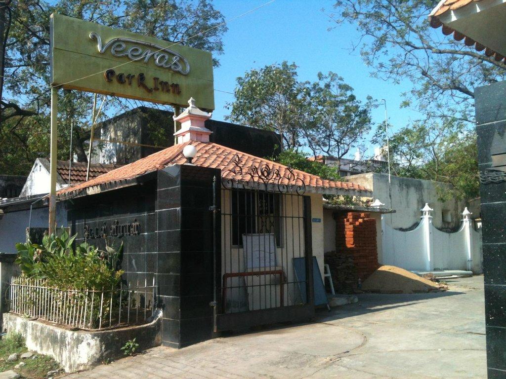 Veeras Hotel