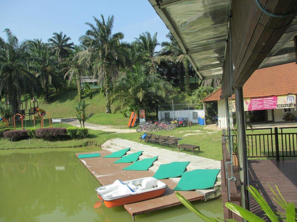 Bukit Kinding Resort