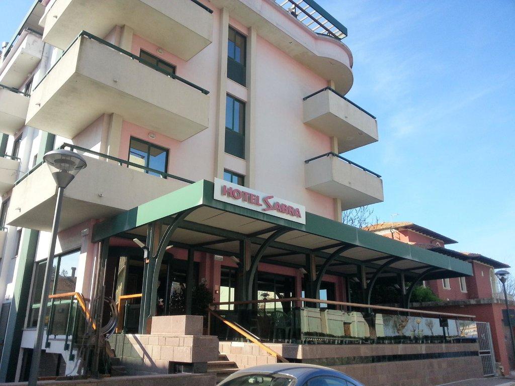 薩布拉飯店