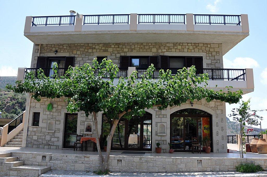 Feidias Apartments