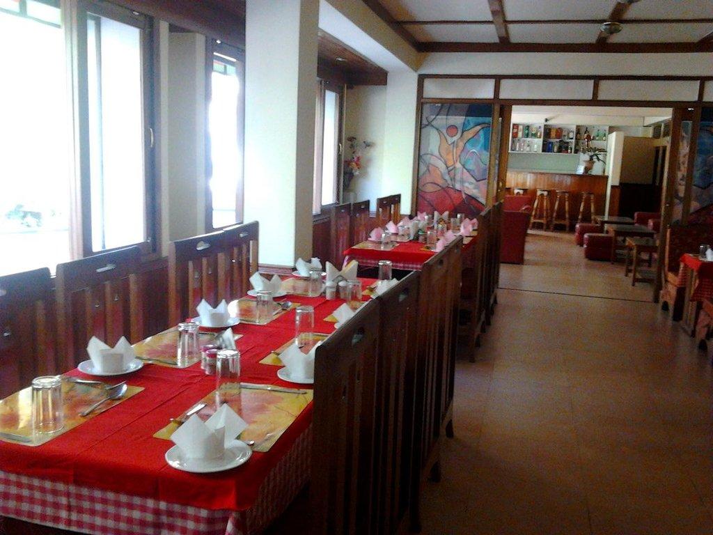 Diamond Hotel & Restaurant