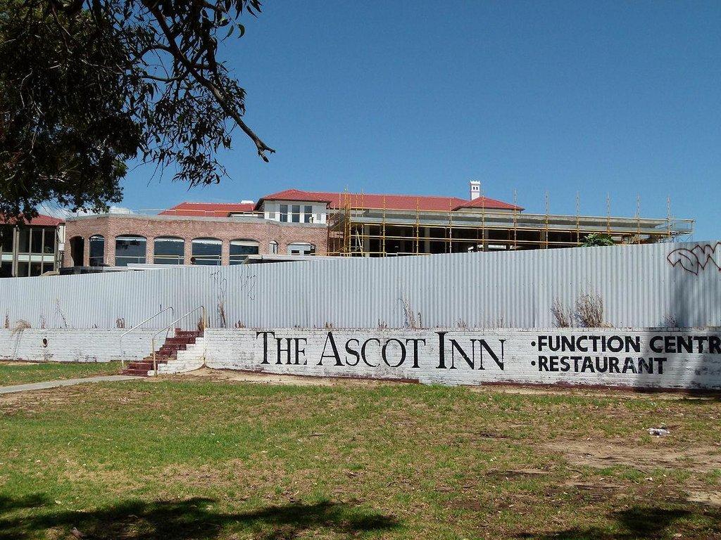 Ascot Lodge