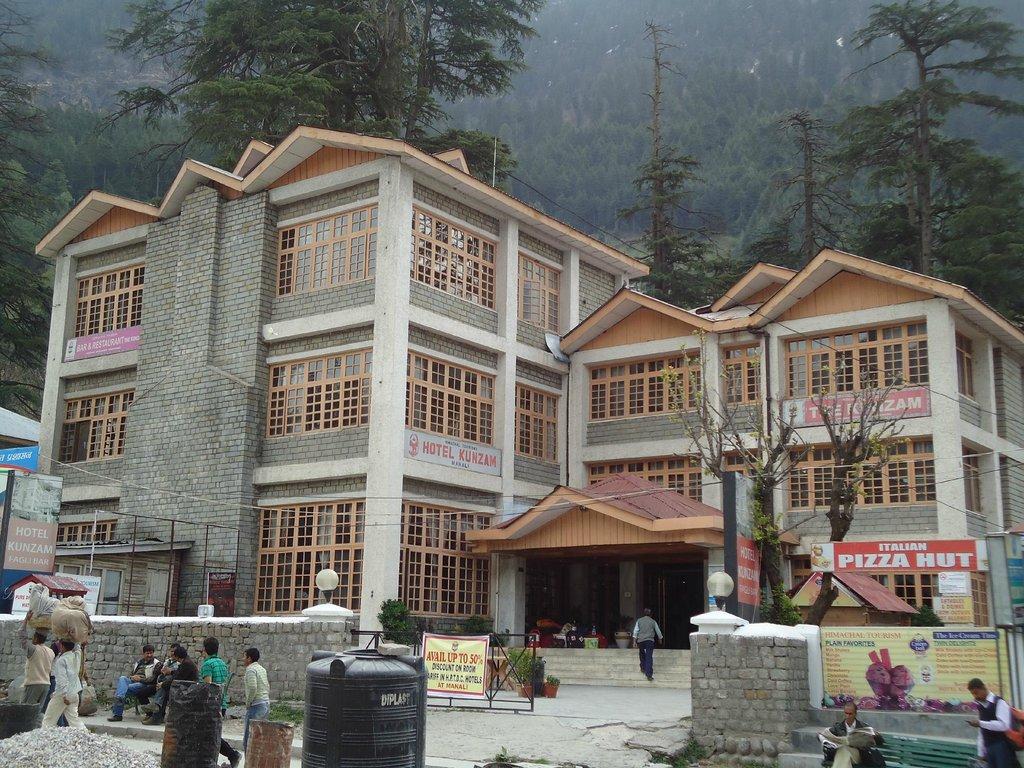 Kunzam Hotel
