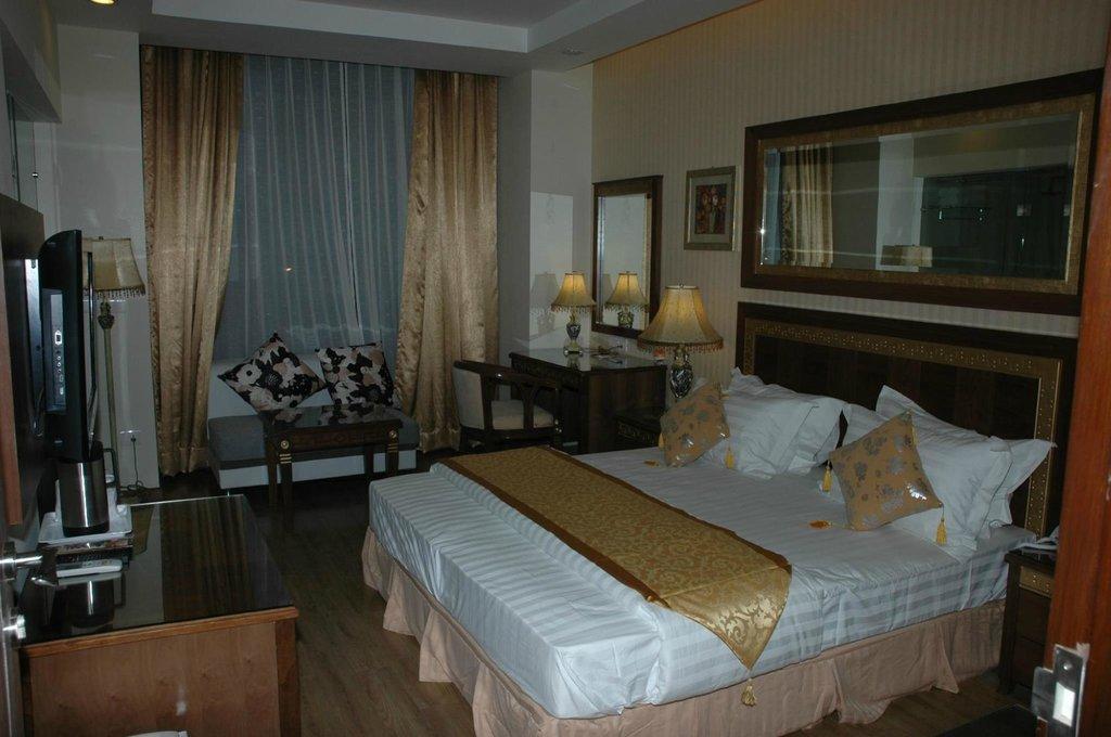 โรงแรมปิกาสโซ ปัจฉิม วิหาร