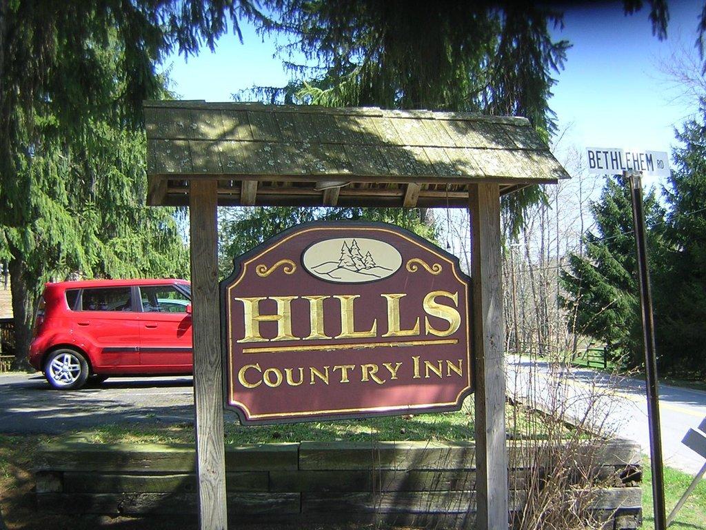 Hills Country Inn