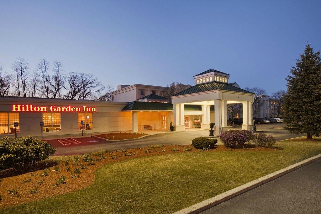 波士顿伯灵顿希尔顿花园酒店