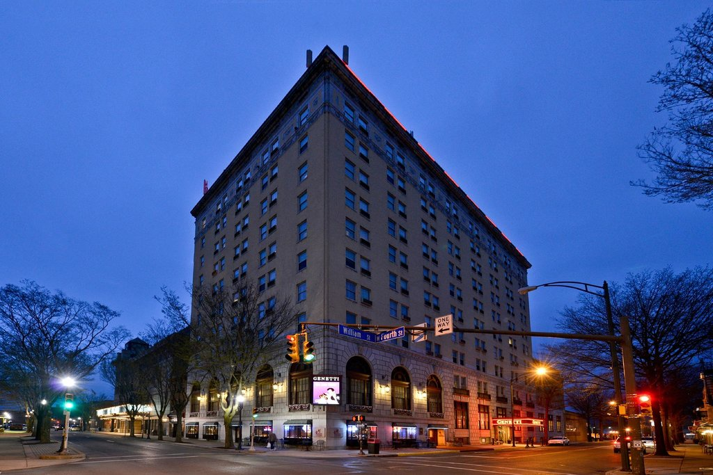 Genetti Hotel - Williamsport