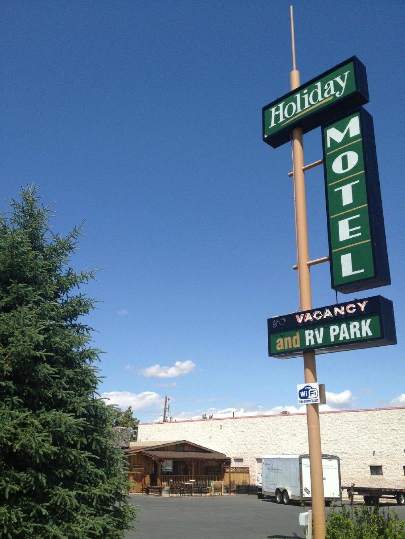 Holiday Motel & RV Park