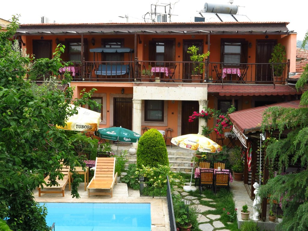 Akropolis Guest House