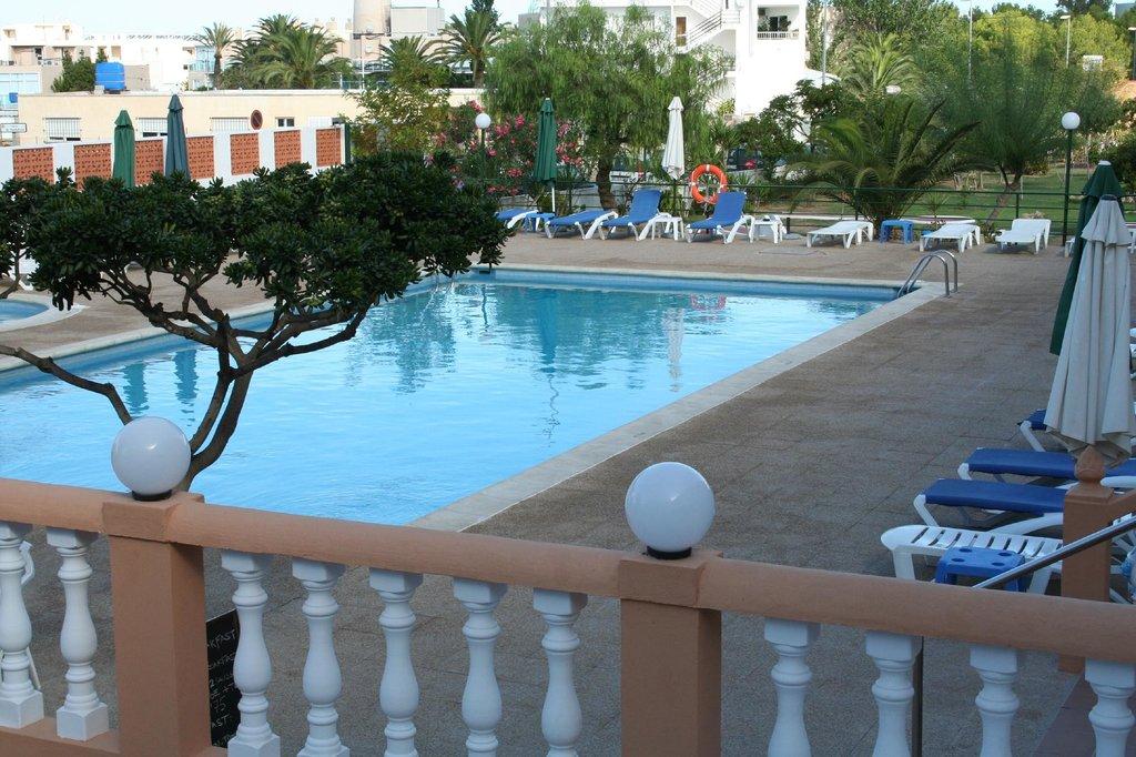 Hotel Estudios Tropicana