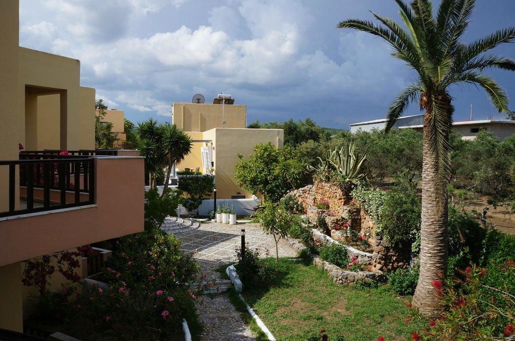 Hotel Pergamos Village