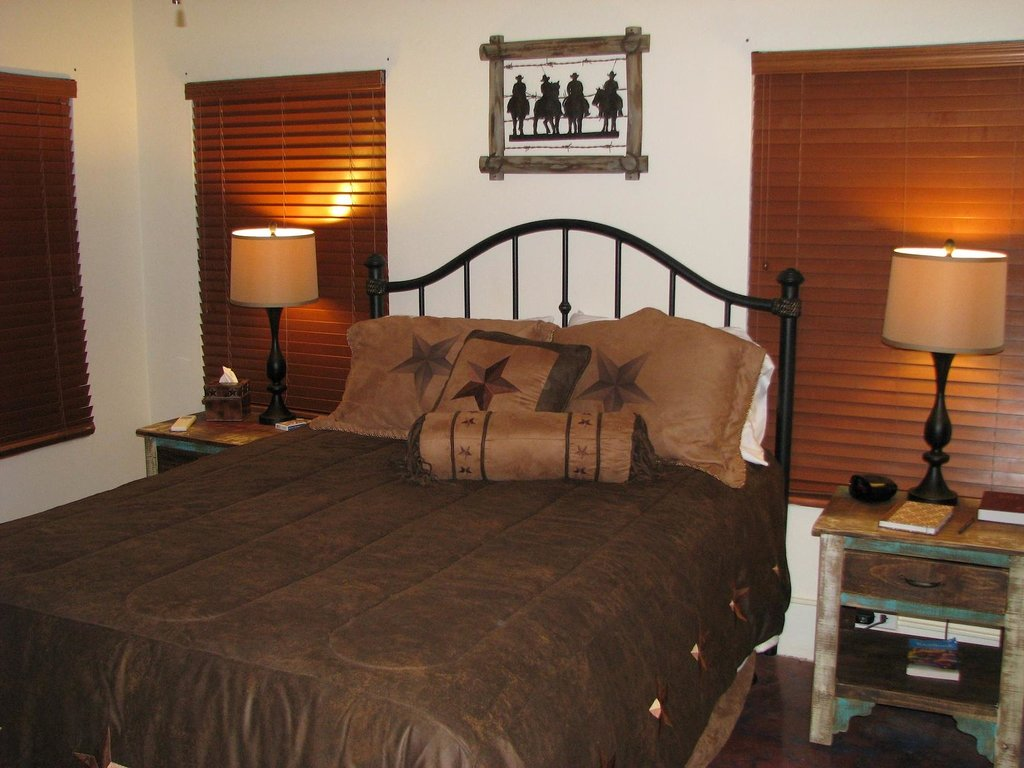 Diamond H Bed & Breakfast
