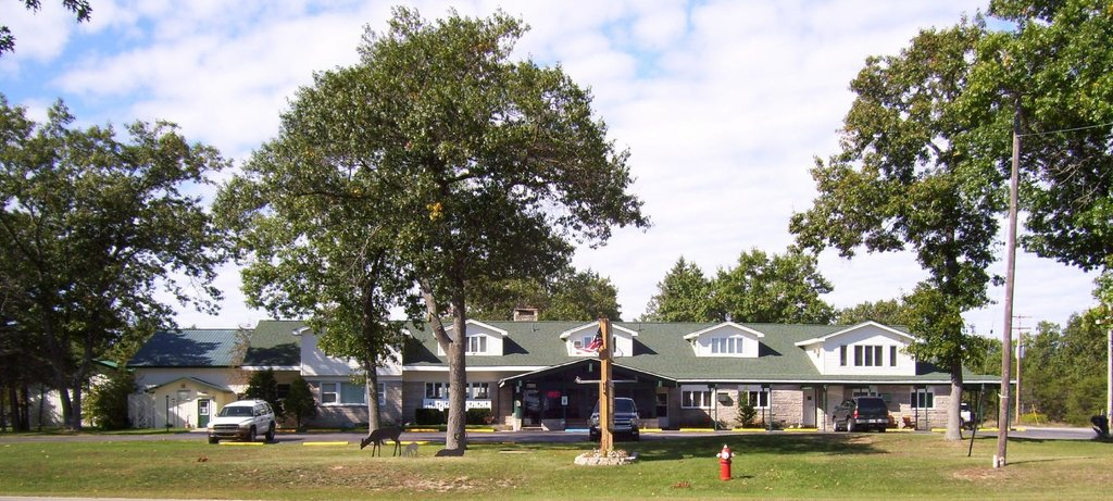 Camp Inn Lodge