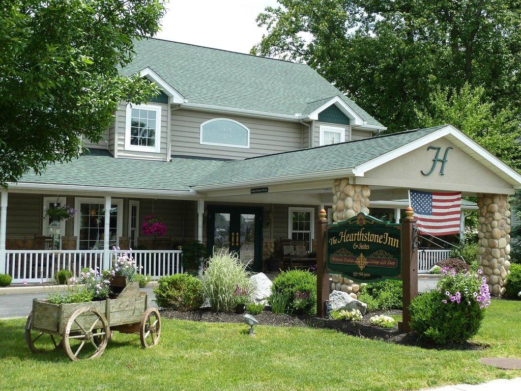 Hearthstone Inn & Suites