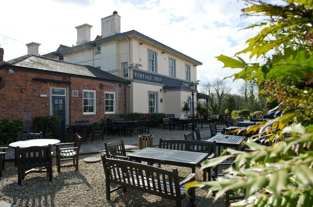 The Innkeeper's Lodge Chester, Christleton