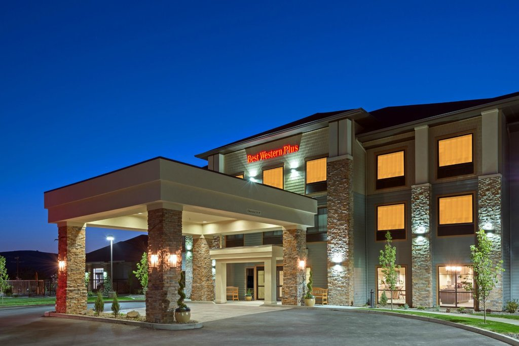 ‪BEST WESTERN PLUS Dayton Hotel & Suites‬