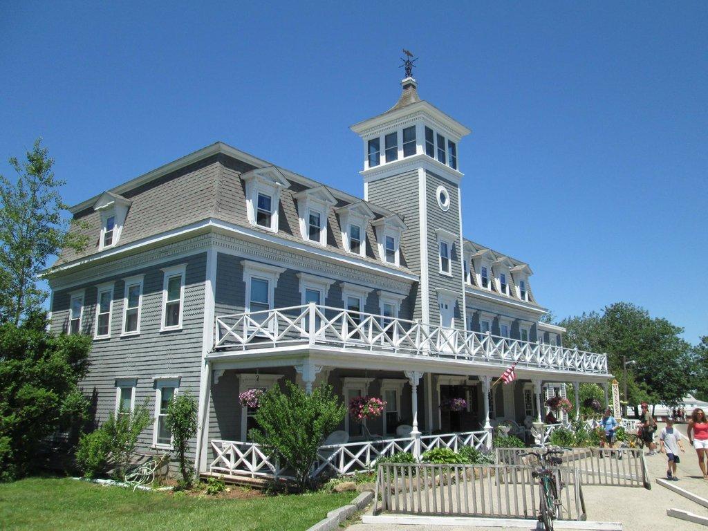 The 1661 Inn & Hotel Manisses