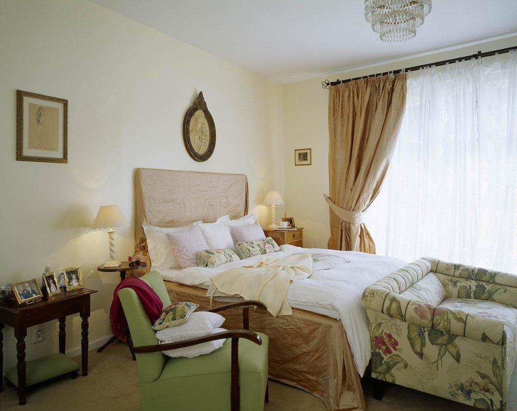 Family Hotel Okor