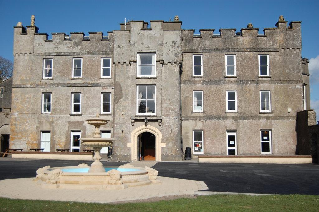 Amroth Castle