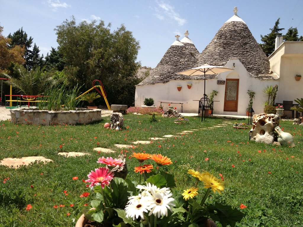 Trulli Colarossa Bed & Breakfast