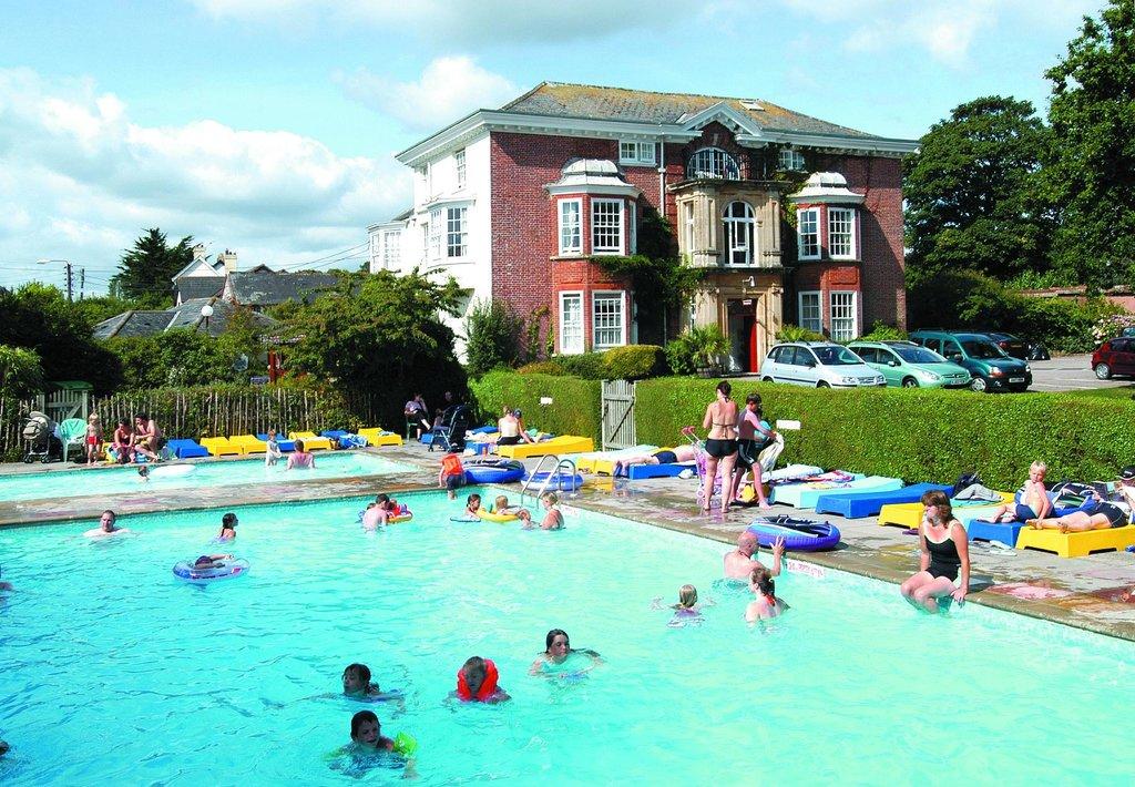 Oakcliff Holiday Park