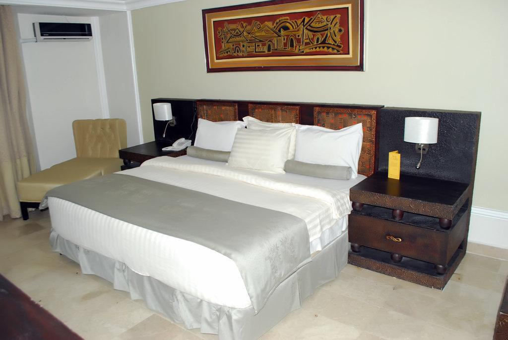 ジャデス ホテル