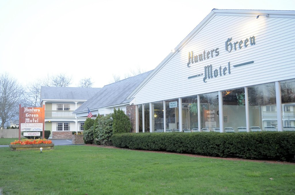 Hunters Green Motel