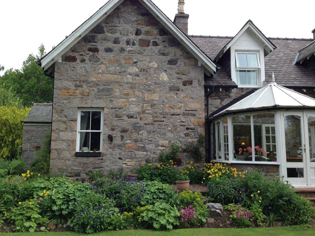 Balnellan House