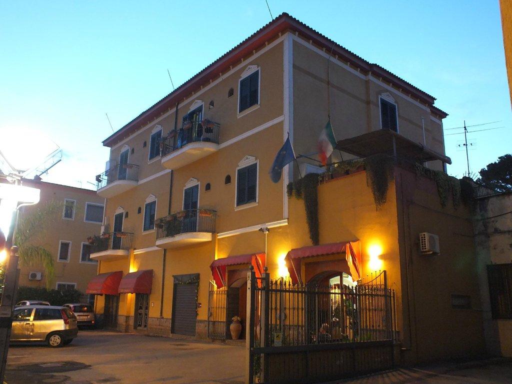 Fittacamere Villa Flora