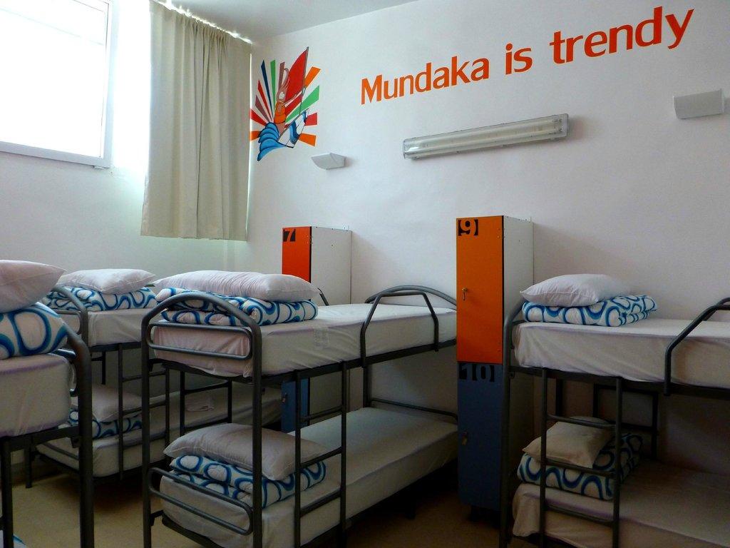 Mundaka Hostel& Sports Cafe
