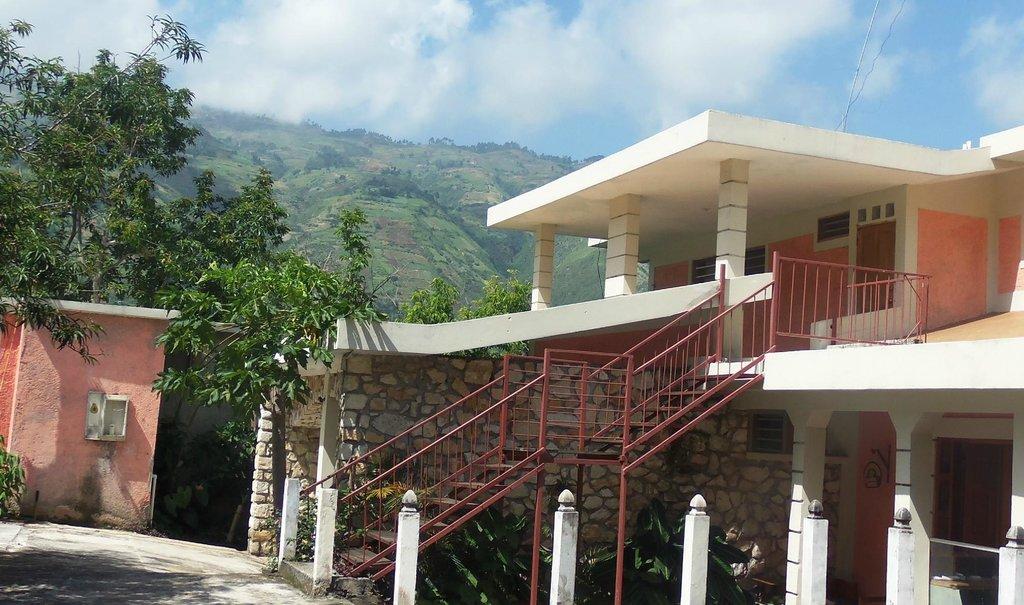 Vue La Montagne Lodge