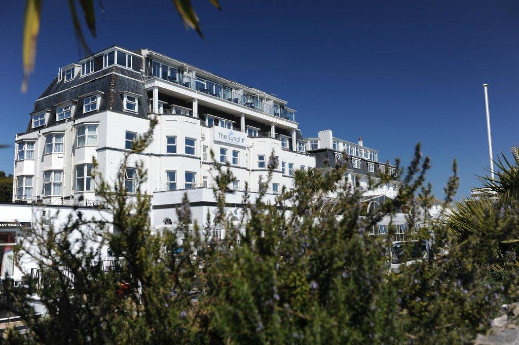 海洋休閒陽光峭壁酒店