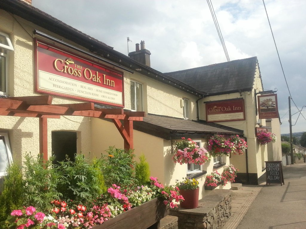 The Cross Oak Inn