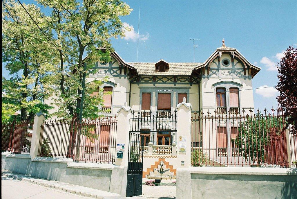 Villamanolita